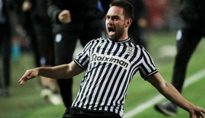 ΠΑΟΚ - Ολυμπιακός 2-0: Άλμα με Ζίβκοβιτς