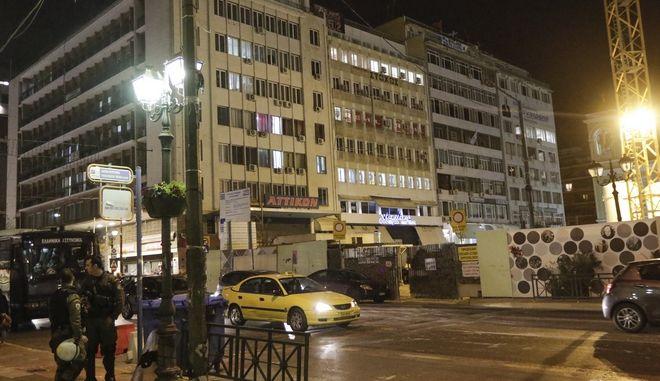 Επίθεση από αγνώστους στα γραφεία της Χ.Α. στον Πειραιά, Παρασκευή 2/2/2018. (EUROKINISSI)