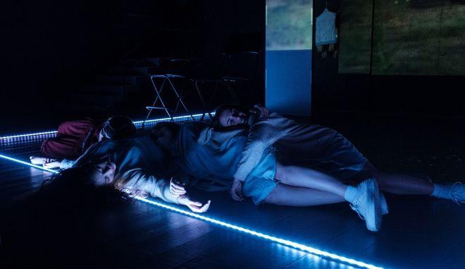 He[a]lter Skelter: Μια παράσταση για τις γυναίκες που πίστεψαν και ακολούθησαν τον Τσαρλς Μάνσον