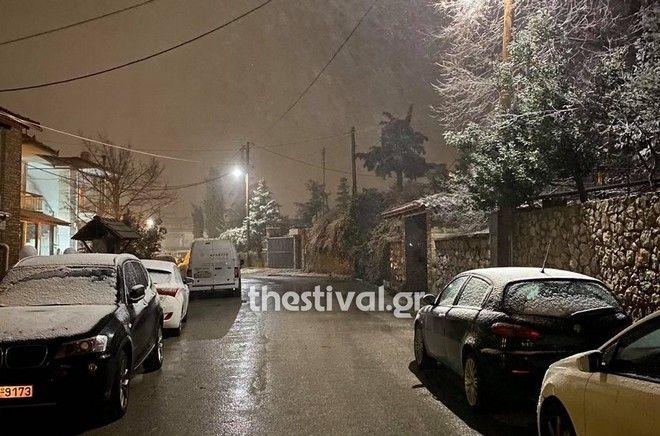 Ξεκίνησαν οι χιονοπτώσεις στη Θεσσαλονίκη