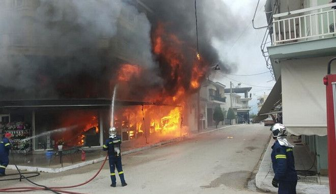 Καταστράφηκε κατάστημα στο οποίο ξέσπασε φωτιά στην Βάρδα Ηλείας