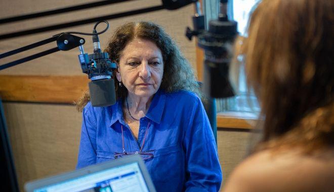 Η συγγραφέας Ρέα Γαλανάκη στο στούντιο του Ραδιοφώνου 24/7