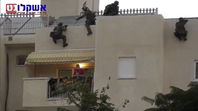 Βίντεο: Ισραηλινοί κομάντο σώζουν 4χρονη σε 6 δευτερόλεπτα