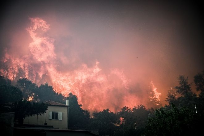Εκκένωση του χωριού Κοντοδεσπότι, στην Εύβοια