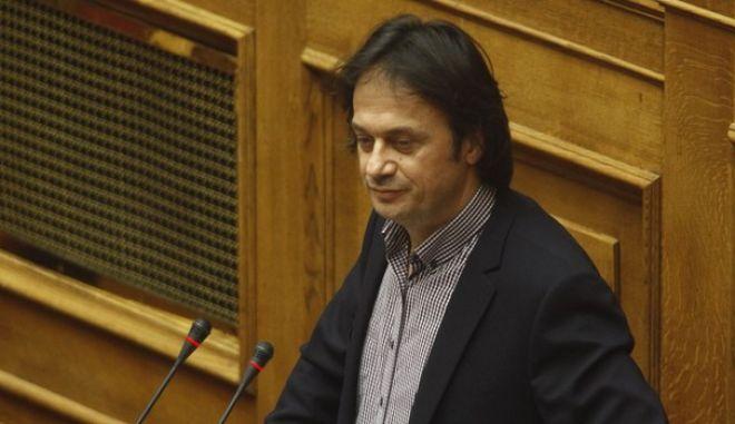 """Συνέχιση της συζήτησης και ψήφιση του σχεδίου νόμου του Υπουργείου Εργασίας, Κοινωνικής Ασφάλισης και Κοινωνικής Αλληλεγγύης """"Κοινωνική και αλληλέγγυα οικονομία και ανάπτυξη των φορέων της και άλλες διατάξεις"""", την πέμπτη 20 Οκτωβρίου 2016, στην Βουλή. (EUROKINISSI/ΓΙΩΡΓΟΣ ΚΟΝΤΑΡΙΝΗΣ)"""