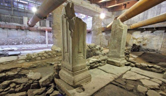 Μαρμαρόστρωτη πλατεία αποκαλύφθηκε σε υπό κατασκευή σταθμό του μετρό Θεσσαλονίκης