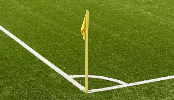 Υπέρ της έναρξης των πρωταθλημάτων στο ποδόσφαιρο οι πολίτες