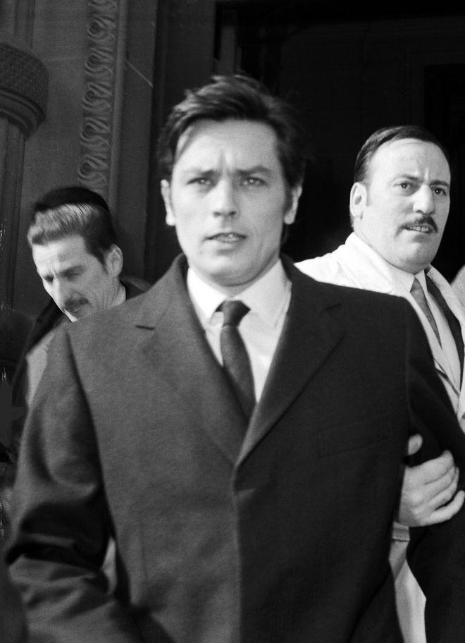 Ο Ντελόν κατά τη σύλληψή του