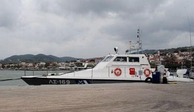 Ψαρά: Πρόσκρουση επιβατηγού τουριστικού σκάφους σε ξέρα