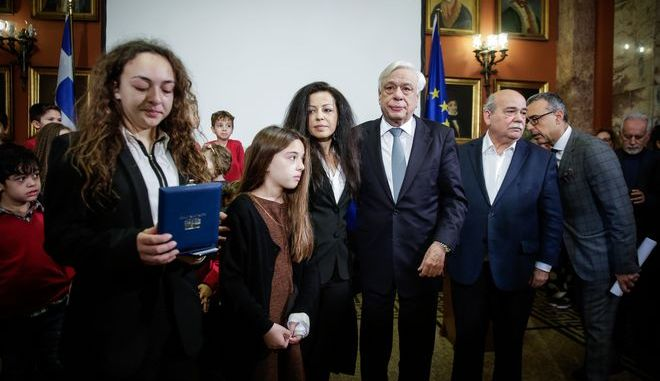 Παυλόπουλος και Βούτσης στο πλευρό των ασυνόδευτων προσφυγόπουλων