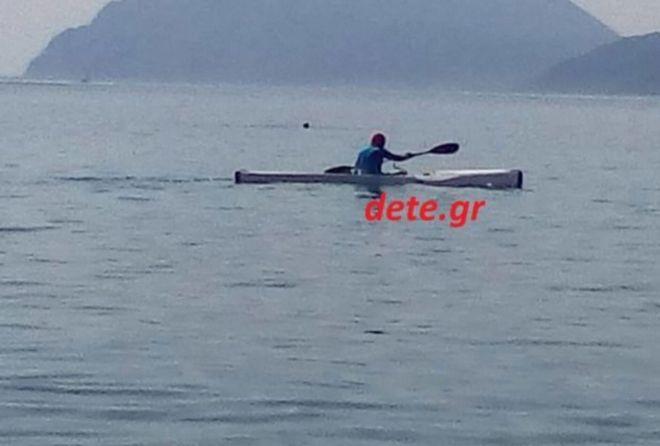 Λαχτάρα για τον Γιώργο Παπανδρέου: Έπεσε σε μπουρίνι με το κανό - Έδωσε μάχη με κύματα 2 μέτρων