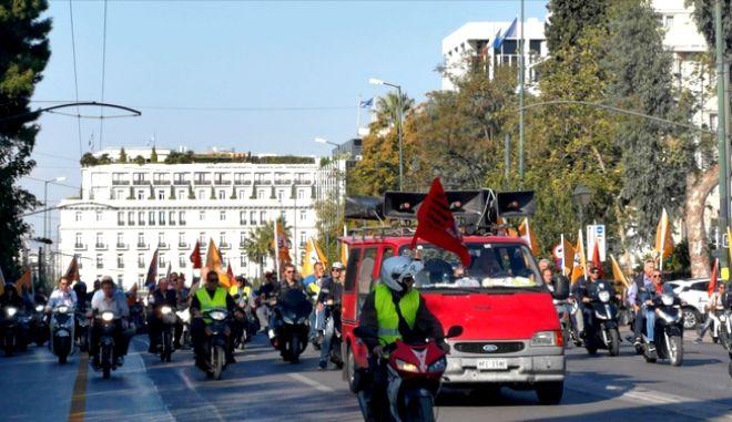 Με μοτοσυκλέτες στο κέντρο της Αθήνας η ΠΟΕ ΟΤΑ
