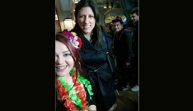 Πατρινό Καρναβάλι: Η Ζωή Κωνσταντοπούλου στη νυχτερινή παρέλαση