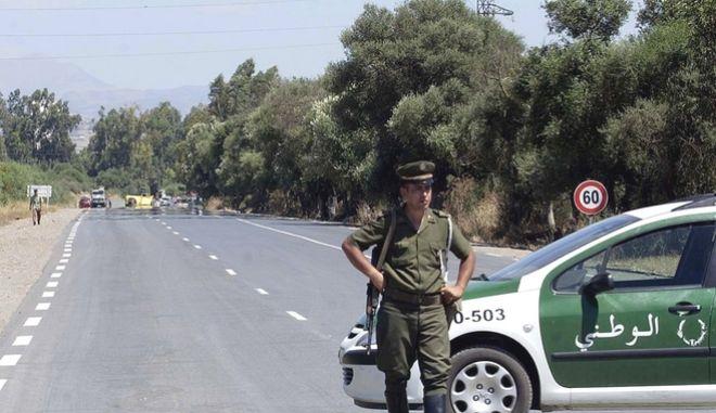 Αλγερινός αστυνομικός (αρχείου)