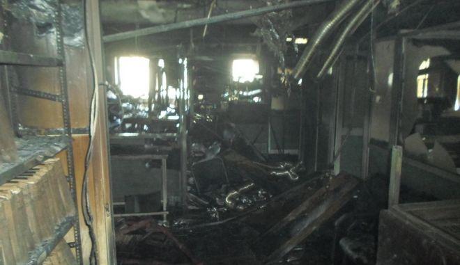 Λάρισα: Εικόνες καταστροφής στο εσωτερικό της Β' ΔΟΥ