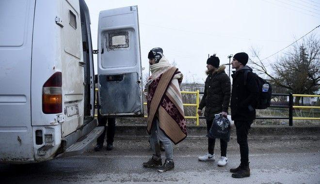 Αφγανός μετανάστης υπό κράτηση