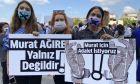 Διαμαρτυρία για τη δίκη επτά δημοσιογράφων με την κατηγορία ότι αποκάλυψαν κρατικά μυστικά στην Τουρκία