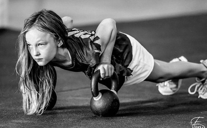 Αυτή η 9χρονη μπορεί να σε 'σπάσει' στο ξύλο για πλάκα