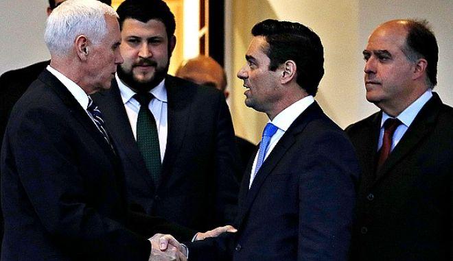 O Πενς με τους αντιπροσώπους του Γκουαϊδό στο Λευκό Οίκο