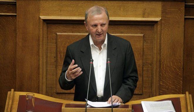 Συζήτηση στην Ολομέλεια της Βουλής την Παρασκευή 16 Οκτωβρίου 2015, του πολυνομοσχεδίου με τα προαπαιτούμενα μέτρα, εν όψει της πρώτης αξιολόγησης του μνημονιακού προγράμματος. (EUROKINISSI/ΓΙΩΡΓΟΣ ΚΟΝΤΑΡΙΝΗΣ)
