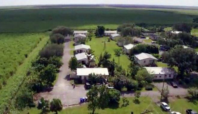 """Το 'Σκοτεινό Χωριό"""" στη Φλόριντα: Εκεί που ζουν καταδικασμένοι παιδόφιλοι"""