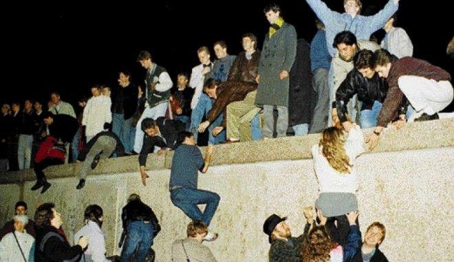 Μηχανή του Χρόνου: Η νύχτα που έπεσε το Τείχος του Βερολίνου