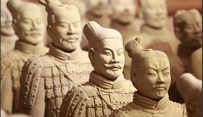 Έφυγε από τη ζωή ο αρχαιολόγος που ανακάλυψε τον «Πήλινο Στρατό»