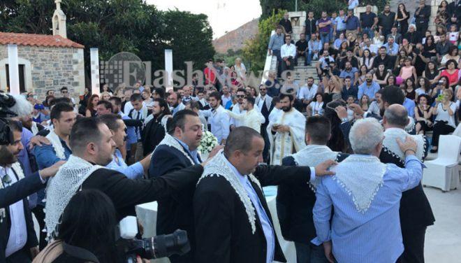 Κρητικός γάμος και βάφτιση για ρεκόρ Γκίνες: 13 νονοί και 13 κουμπάροι