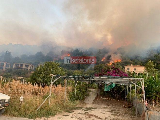 Υπό έρευνα οι συνθήκες για τις φωτιές σε Πάρνηθα, Κεφαλονιά και Λουτράκι - Καλύτερη εικόνα στα μέτωπα
