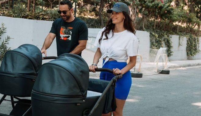 Η Χριστίνα Μπόμπα και ο Σάκης Τανιμανίδης με τις κόρες τους