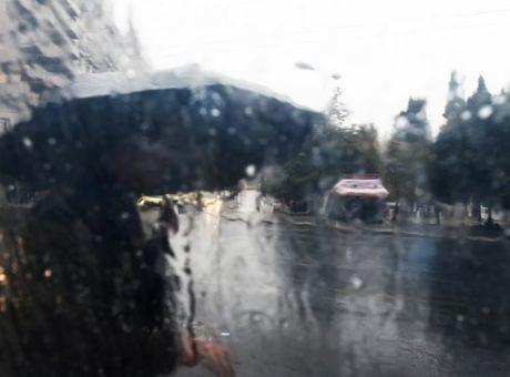 55f4361223d Καιρός: Νέο έκτακτο δελτίο επιδείνωσης - Βροχές και καταιγίδες μέχρι ...
