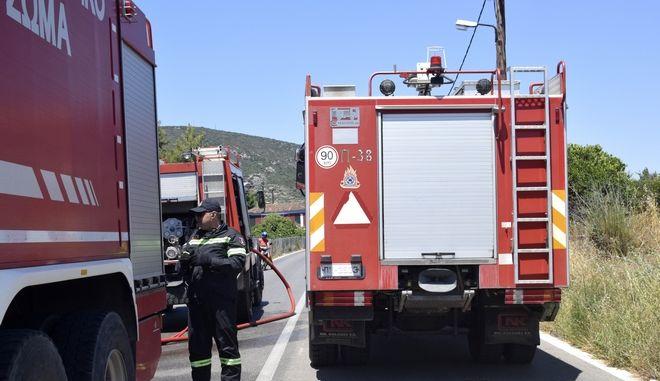 Οδηγός κάηκε ζωντανός μέσα στο αυτοκίνητό του