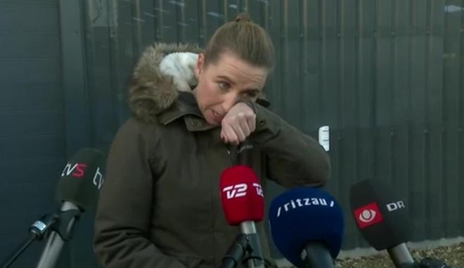 Δανία: Δάκρυσε η πρωθυπουργός για τα βιζόν
