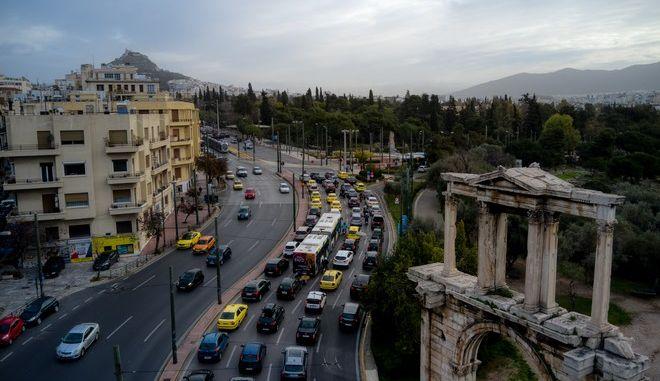 Κίνηση στην Αθήνα την πρώτη μέρα του lockdown τον Φεβρουάριο 2021