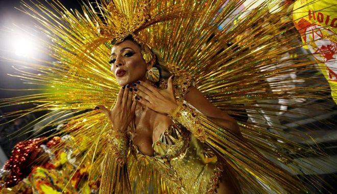'Καίγεται' το Ρίο: Μια μικρή γεύση από τις φαντασμαγορικές καρναβαλικές εκδηλώσεις