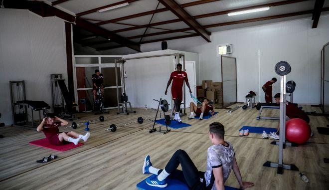 Γεωργιάδης: Ειδική ενίσχυση για γυμναστήρια- Πότε ανοίγουν κέντρα αισθητικής, σχολές οδηγών