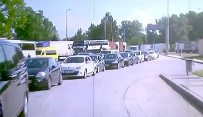 Προμαχώνας: Η μεγάλη κάθοδος των Βαλκάνιων τουριστών - Ουρές 10 χιλιομέτρων