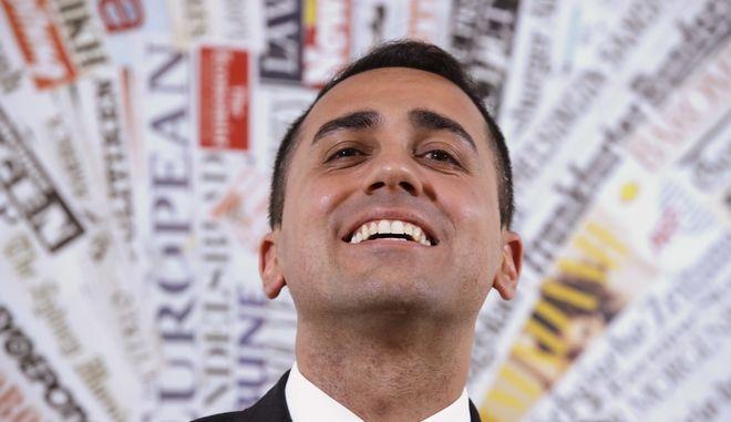 """""""Ναι"""" στην συγκυβέρνηση με την Λέγκα από το 94% των μελών των Πέντε Αστέρων"""