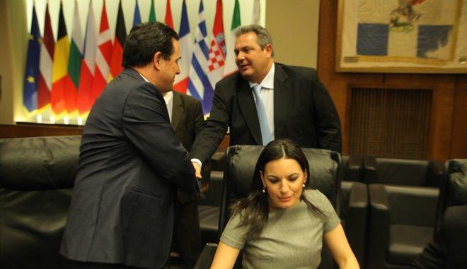 Ενημλερωση της Επιτροπής Άμυνας και Εξωτερικών Υποθέσεων της Βουλής απο τον υπουργό Άμυνας Πάνο Καμμένο την Τετάρτη 22 Απριλίου 2015. Η συνεδρίαση πραγματοποίηθηκε στο υπουργείο Εθνικής Άμυνας. (EUROKINISSI/ΚΩΣΤΑΣ ΚΑΤΩΜΕΡΗΣ)