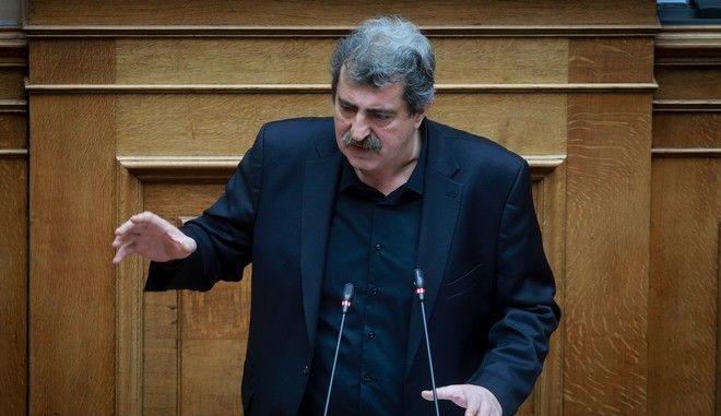 Ο αναπληρωτής υπουργός Υγείας Παύλος Πολάκης στη Βουλή