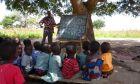 Γεννημένη στη Μπολγκατάνγκα της Γκάνας και αστροφυσικός. Γίνεται;