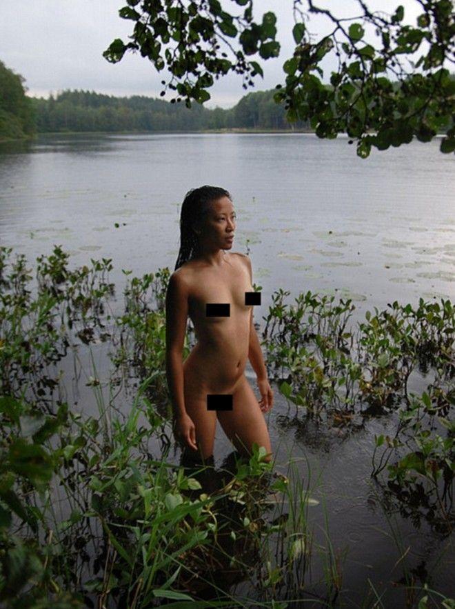 Η αστυνομία κατέβασε έκθεση με γυμνές φωτογραφίες του υγιούς γυναικείου σώματος γιατί τη θεώρησε άσεμνη