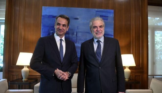 Συνάντηση του Πρωθυπουργού Κυριάκου Μητστοτάκη με τον  Επίτροπο για τη Διεθνή Συνεργασία, την Ανθρωπιστική Βοήθεια και τη Διαχείριση Κρίσεων Χρήστο Στυλιανίδη