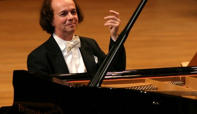10+4 πράγματα που δε γνωρίζατε για τον παγκοσμίου φήμης πιανίστα και συνθέτη Cyprien Katsaris