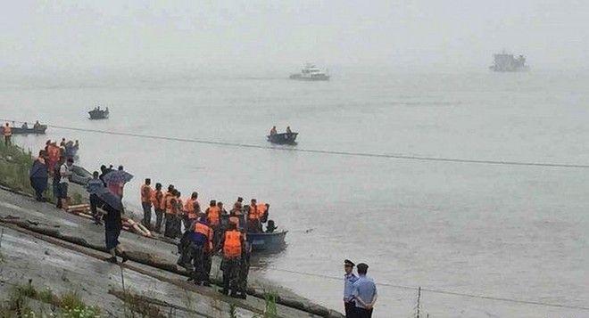 Κίνα: Βυθίστηκε πλοίο με 458 τουρίστες