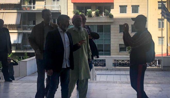 Συγκέντρωση έξω από το Μεικτό Ορκωτό Εφετείο Αθηνών όπου ανακοινώθηκε η απόφαση για τη δολοφονία του Πακιστανού μετανάστη Σαχζάτ Λουκμάν