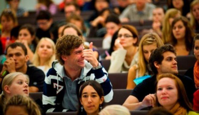 Τι αλλάζει στη χορήγηση του φοιτητικού επιδόματος