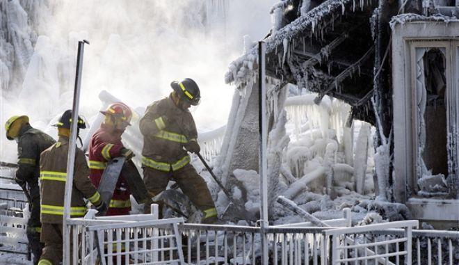 Αγνοείται η τύχη 30 ηλικιωμένων από φωτιά σε γηροκομείο