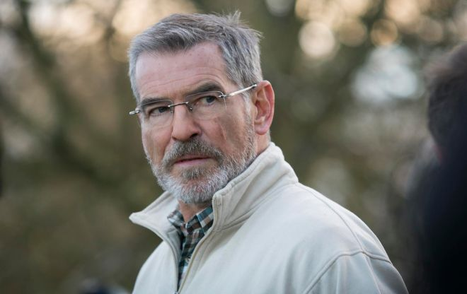Pierce Brosnan as Hennessy at the Farmhouse gate in THE FOREIGNER