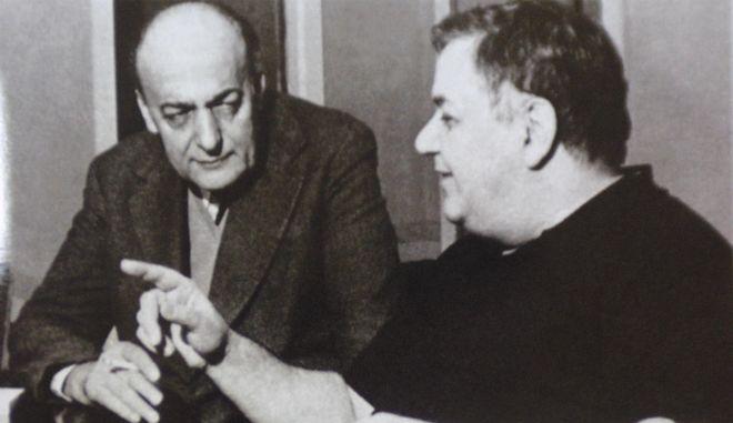 Ο Νίκος Γκάτσος μαζί με τον Μάνο Χατζιδάκι